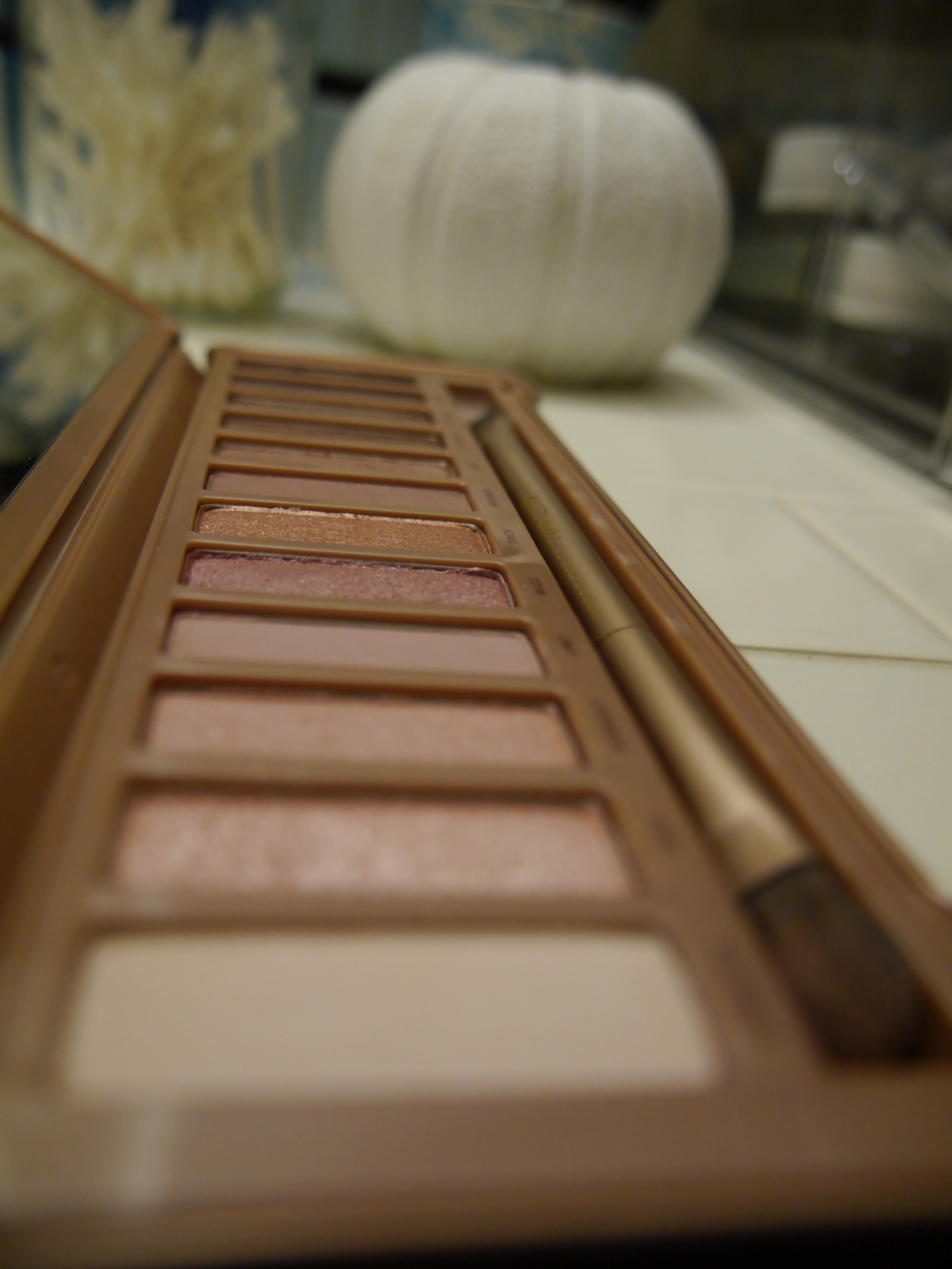 urban-decay-naked-3-palette-swatches.jpeg
