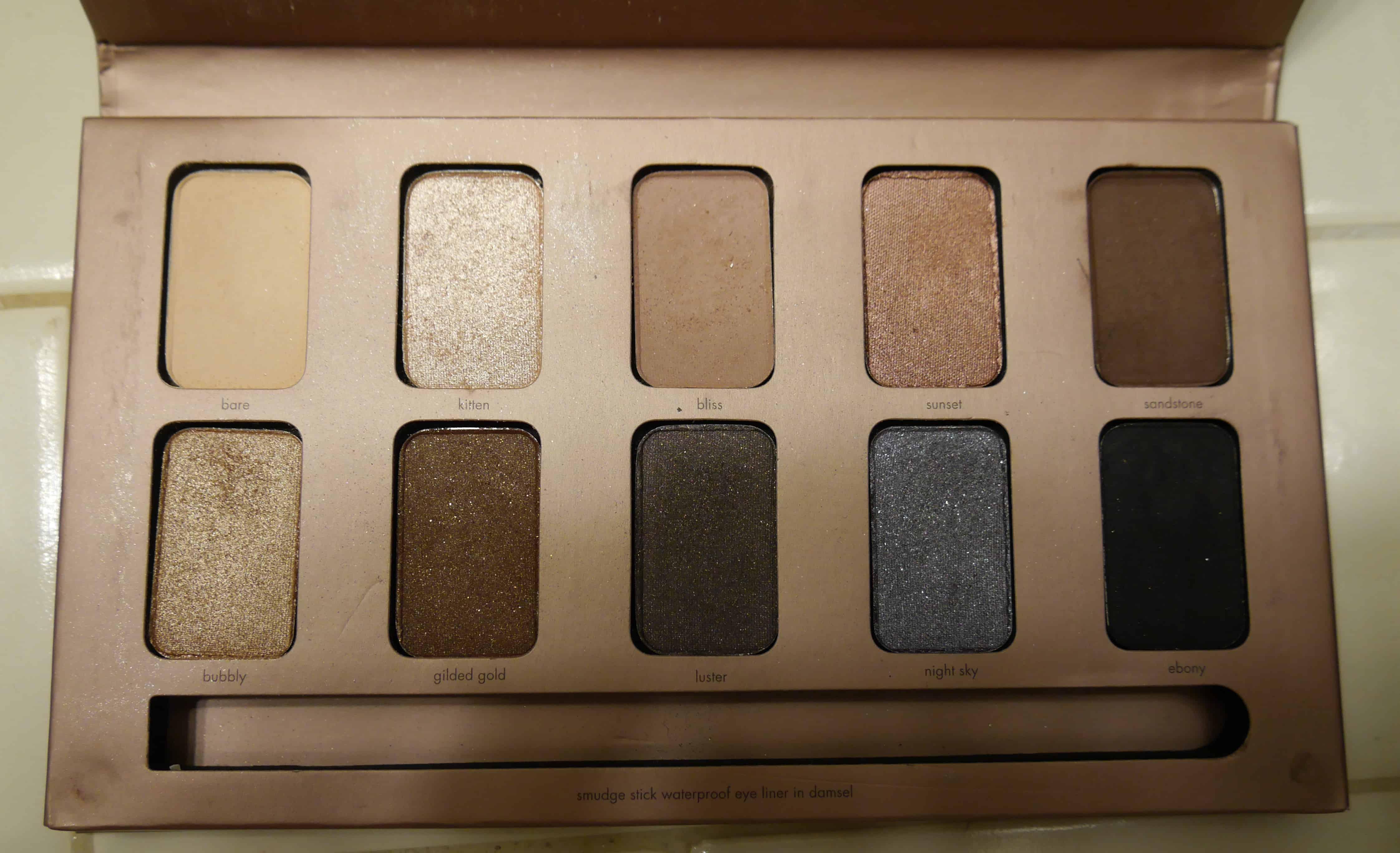 stila-in-the-light-palette-eyeshadows-smudge-stick-eyeliner.jpeg