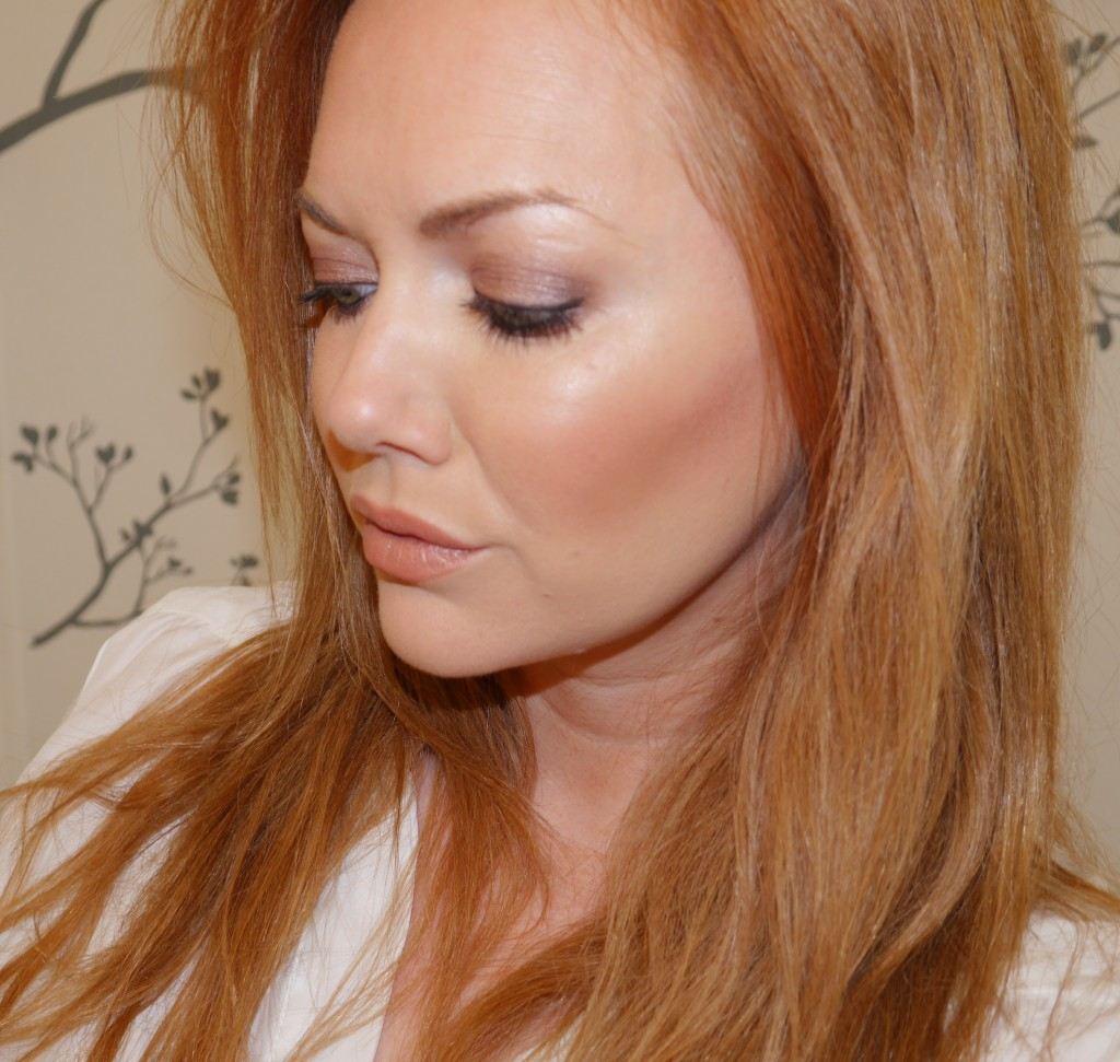 covergirl-ready-set-gorgeous-foundation-katy-perry-instaglam-buff-beige-115-swatch-review-blog-demo.jpeg