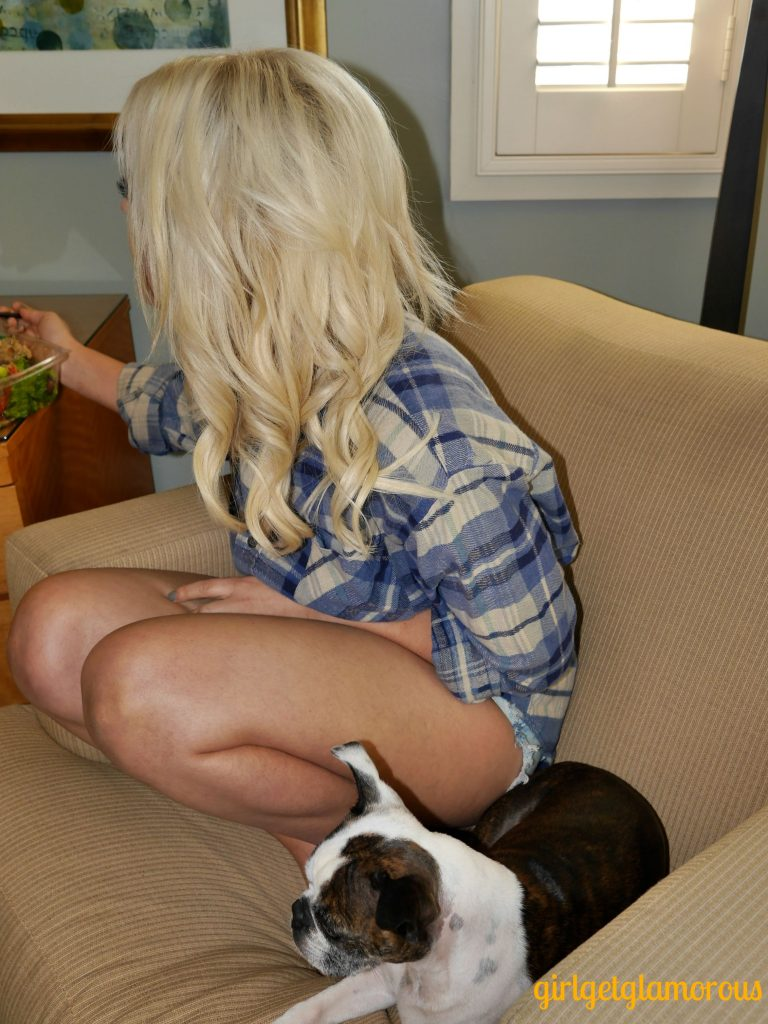 How cute do Carly and Pippa the dog look in this pic!?